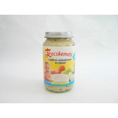 Cukkini csirkehússal és rizzsel bébiétel